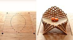 """まず、下の写真を見てください。部屋には木材で作られたインテリアが並びますが、これらには""""ある秘密""""が。実は、手前の大きなテーブルや奥の椅子、像..."""