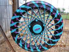 fence art Cream Of Tartar Uses, Garden Archway, Tire Art, Fence Art, Hub Caps, Garden Items, Bike Wheel, Bottle Caps, Craft Activities For Kids