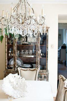 dining, chandelier
