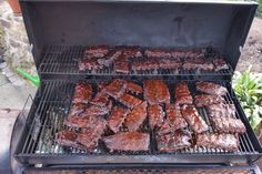 Delicious BBQ spare ribs for smoker and oven with sauce and .- Delicious BBQ spare ribs for smoker and oven (including sauce and spice mix), a great recipe from the Barbecue & Grill category. Smoked Pulled Pork, Smoked Beef Brisket, Smoked Ribs, Slow Cooking, Smoker Cooking, Barbecue Recipes, Burger Recipes, Grilling Recipes, Pot Roast Beef
