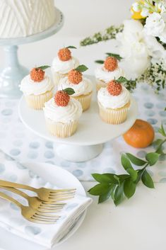 How to host 'A Little Cutie is on the way' Baby Shower orange cupcakes Shower Orange, Peach Baby Shower, Gender Neutral Baby Shower, Baby Shower Fun, Baby Shower Themes, Baby Shower Cupcakes Neutral, Unisex Baby Shower, Shower Ideas, Baby Shower Sweets