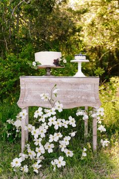 cake table, charming, relaxed