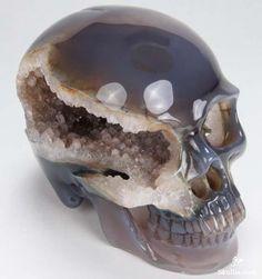 skulls skull crystal skull agate skull oh my god can I please have one