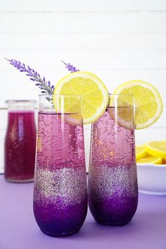 Lavender Lemonade Prosecco Cocktail-Lavender Lemonade Prosecco Cocktails DIY Ombre Glitter Champagne Glasses are the perfect pair for a Sunday Brunch with your favorite girlfriends! #cocktailrecipes