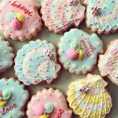 beautiful sea shell cookies