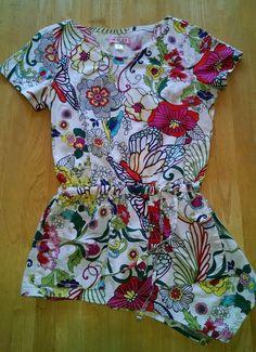 Koi Danielle xs scrub top asymmetrical hem flowers beautiful #Koi