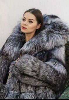 Fur Coat Fashion, Fox Fur, Mantel, Furs, Jackets, Silver, Fur, Dressing Up, Down Jackets