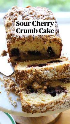 Sweet Recipes, Cake Recipes, Dessert Recipes, Cherry Crumb Cake Recipe, Christmas Morning Breakfast, How To Eat Better, Sweet Breakfast, Sliced Almonds, Sweet Bread