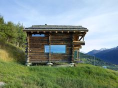 TLM, Transformation D'un Grenier - Picture gallery Prefab Cabins, Prefab Homes, Log Homes, Chalet Design, House Design, Timber House, Wooden House, Wooden Stool Designs, Architecture Design