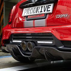 Mini Cooper Sport, New Mini Cooper, Mini Cooper Clubman, Mini Coper, Mini Cabrio, Car Poses, John Cooper Works, Love Car, Classic Mini