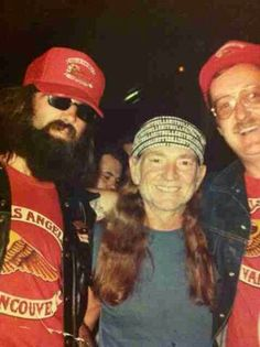 Willie Nelson with the boys. Biker Clubs, Motorcycle Clubs, Sonny Barger, Paul Michael Glaser, Wolf, Hells Angels, Best Club, Country Music Singers, Willie Nelson