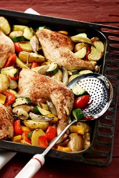 Chicken drumsticks from the tin Spicy Chicken Recipes, Meat Recipes, Crockpot Recipes, Salad Recipes, Easy Healthy Recipes, Healthy Dinner Recipes, Easy Meals, Ramadan, Tortellini