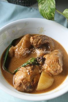 Azie Kitchen: Kari Ayam Kelantan