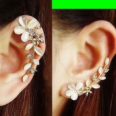 $18.00 | CAT'S EYE GEM FLOWER EAR CUFF (SINGLE, NO PIERCING)