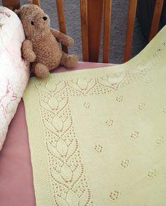 CH51 Tulips & Rosebuds Baby Blanket   Fiber Trends