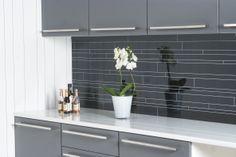 Berry Alloc, Bathroom Lighting, Kitchens, Mirror, Furniture, Design, Home Decor, Bathroom Light Fittings, Bathroom Vanity Lighting
