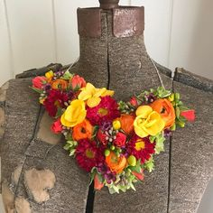 """18 Likes, 1 Comments - Beth Fowler (@loamfloral) on Instagram: """"Asymmetrical collar piece for last night's show. #loamfloraldesign #loamfloral #flower #florist…"""""""