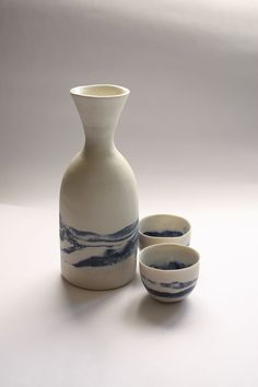 http://downthatlittlelane.com.au/kanimbla-clay/product/3665-blue-plateau-sake-bottle-cups