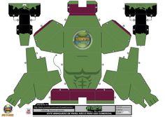 Divirtam-se montando este boneco de papel 3D. Vídeo boneco montado: http://youtu.be/sWRSClfgpEI #Hulk #Marvel #Papertoy