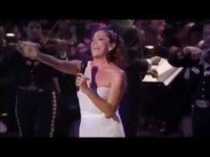 Así Fue Mis 40 Años En Bellas Artes Juan Gabriel & Isabel Pantoja - YouTube