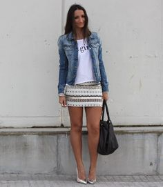 that skirt again! love the whole outfit.
