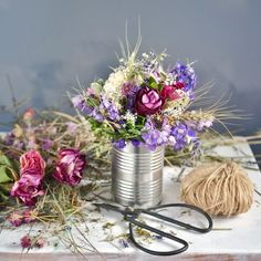 Upcycled can vase and dried flowers bouquet Dried Flower Bouquet, Dried Flowers, Upcycle, Vase, Table Decorations, Home Decor, Flower Preservation, Decoration Home, Upcycling