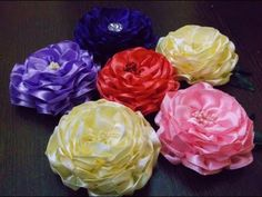 ▶ D.I.Y. Satin Ribbon Camellia Flower - YouTube Should be using these instead of peonies for Gumi.