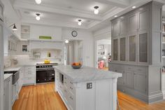 JAS Kitchen East View » This whole remodel is awesome, love this kitchen! A colorful stove would be amazing in here!