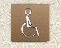 INSEGNA WC DISABILE, bagno disabile, segnale wc cartone, decoro wabi sabi, decoro parete wc, cartello porta bagno, artigianato carta