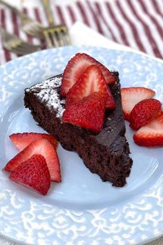 A rich, flavorful, moist, elegant chocolate cake that's flourless and gluten-free. A great Special Occasion cake! #FlourlessCake #FlourlessChocolateCake #GlutenFreeCake #GlutenFreeChocolateCakeRecipe Chocolate Truffle Cake, Chocolate Truffles, Melting Chocolate, Flourless Chocolate Cakes, Gluten Free Chocolate, Espresso And Cream, Cake Recipes, Dessert Recipes, Cake Truffles