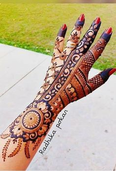 Best 12 Image may contain: one or more people – SkillOfKing. Henna Hand Designs, Dulhan Mehndi Designs, Mehandi Designs, Mehndi Designs Finger, Khafif Mehndi Design, Floral Henna Designs, Latest Bridal Mehndi Designs, Full Hand Mehndi Designs, Mehndi Designs For Beginners
