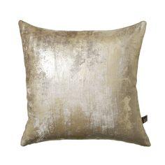 Luxurious velvet style cushion boasting a metallic effect. Velvet Fashion, Soft Furnishings, Pattern Fashion, Champagne, Velvet Style, Cushions, Throw Pillows, Luxury, Fabric