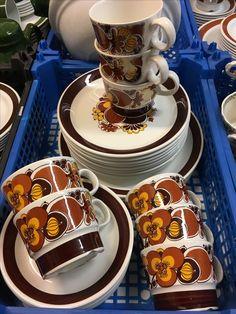 Tableware, Kitchen, Cuisine, Dinnerware, Cooking, Dishes, Home Kitchens, Kitchens, Cucina