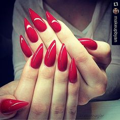 #Repost @makeupbyan  Happy thanksgiving everyone!  You can never go wrong with red nails   Picture by @taraasnaglar
