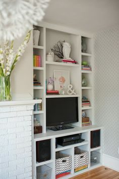 Modern Jane ~ Built in Bookcase. (Photo by Rachel Peters Photography)