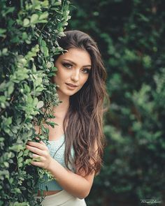 Ensaio Feminino | Vamos fazer o seu? • •• ••• Gabriela Jensen @jensengabriela . •• Make : Marilia Moraes @espacomariliamoraes . •• Cabelo : Walkiria Groh @wal_make . •• Produção : Charlott @charlottboutique . ••• Ensaio Feminino | www.thiagoveras.com •• • #ensaiofeminino #portrait #bolhadevidro #globe_people #preludestory #bravogreatphoto #moodyports #portraitpage #ig_mood #omelhorclick #aovportraits #portraitmood #portraitfolk #portrait_vision #retratofeminino #fashion #fashionblogger