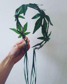 Marijuana Leaves, Rasta Wedding, Sunflower Wall Decor, Pagan Wedding, Custom Headbands, Leaf Crown, Diy Crown, Green Ribbon, Wedding