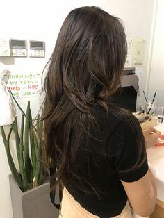 Haircuts For Medium Length Hair, Medium Hair Cuts, Long Hair Cuts, Long Dark Hair, Long Layered Hair, Shot Hair Styles, Long Hair Styles, Hair Cut Pic, Brunette Hair Color With Highlights