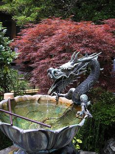 Dragon Fountain via The Fabulous Weird Trotters FB Kamakura, Japanese Dragon, Japanese Art, Japanese Gardens, Japanese Style, Garden Art, Garden Design, Garden Trees, Dragons