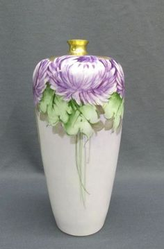 A baluster-form vase with square foot and swan handles hand-painted with a courting couple on the observe and a landscape on the reverse, with some wear to gilding. Fine Porcelain, Porcelain Ceramics, Painted Porcelain, China Dinnerware Sets, Gold Vases, Art Deco Glass, Crystal Vase, Floral Theme, Vintage Vases