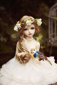 What a gorgeous doll…Fairyland MiniFee Mirwin…I keep finding this sculpt accidentally, might need to put her on my list… :D