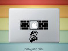 [MacBookAir デコシール] このマリオだったら万人受けしそう!でもなんかパンチが足りない。…足りないくらいが良いのかな。迷う。