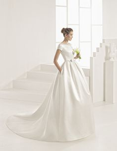"""Spanish bridal house """"Rosa Clara"""" just know how to create timeless and elegant wedding dresses for the modern bride. Rosa Clara Group is a dynamic, young, a pioneer in bringing the bridal luxury, quality and prestige to the brides of our time. Price range: Rosa Clara – £2,450 to 3,600 Rosa Clara …"""