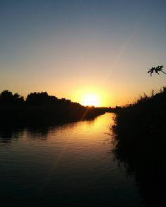 Sunset River #sun #evening #golden Moment #sunset #goldenhour #yellow #