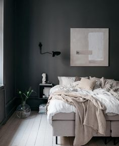 85 Extraordinary Scandinavian Style Bedroom Ideas For A Classier Interior If you are bored with the interior of that bedroom alone, maybe you can try this one Scandinavian style. This one interior style features concepts fro. Scandinavian Style Bedroom, Scandinavian Bedroom, Scandinavian Apartment, Swedish Bedroom, Swedish Home Decor, Home Decor Bedroom, Bedroom Furniture, Bedroom Ideas, Design Bedroom