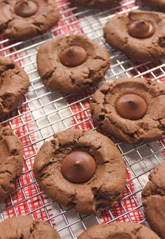 Chocolate Thumbprint Cookies. Got a chocolate cookie craving? These Chocolate Thumbprint Cookies are sure to satisfy it! Because dessert in mini form is just better! #chocolatecookies #chocolaterecipes #chocolatedesserts #chocolatecraving #dessertrecipes #dessertideas #cookierecipes Best Cookie Recipes, Baking Recipes, Sweet Recipes, Bar Recipes, Brownie Recipes, Kitchen Recipes, Traditional Easter Desserts, Chocolate Thumbprint Cookies, Easy No Bake Desserts
