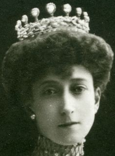Tiara Mania: Diamond Tiara worn by Queen Maud of Norway. Crown Princess Märtha is never in a photo with this tiara. In Princess Ragnhild holding through out her life, not much in use. She wore her diamond tiara frequently during her tenure as Norway's queen; she even chose to wear it for the wedding of her only son, Olav, to Princess Märtha of Sweden in 1929.