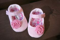 Baby girl shoes Pink mary janes with flower by MartBabyAccessories