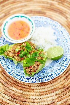 Den här vietnamesiska rätten är otroligt fräsch och en utmärkt vardagsrätt! Enkel att göra, och fläskfärs är till skillnad från vad många tror ett magert ... Wine Recipes, Avocado Toast, Food Inspiration, Sushi, Brunch, Meals, Dinner, Breakfast, Healthy