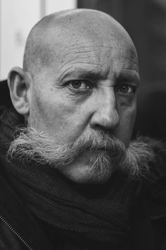 365parisiens:  #021 — He was drinking a coffee under the rain © 365 Parisiens Project, Constantin Mashinskiy